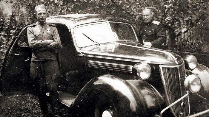 Часть легковых машина раздали офицерам. |Фото: drive2.ru.