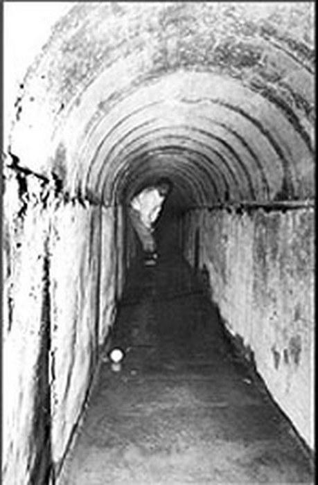 Туннель Джеймс Бонд.