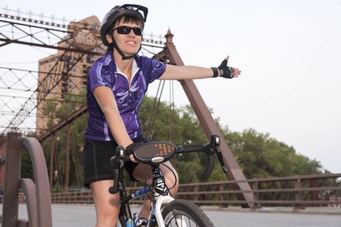 TurnCycle – дубликатор поворотных сигналов для велосипеда.