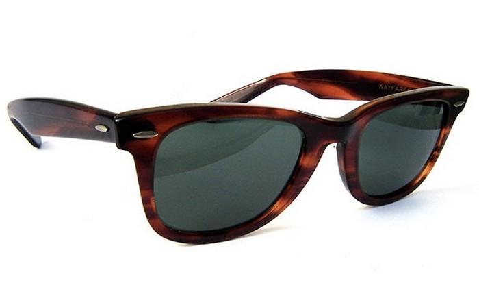 Солнцезащитные очки Wayfarer.