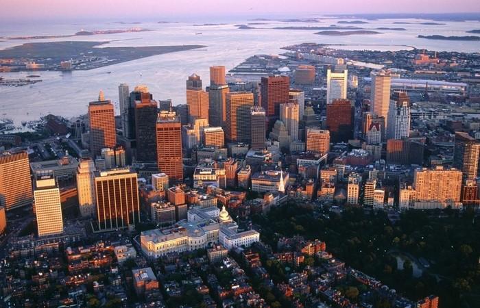 Пять из ста новорожденных в Массачусетсе являются близнецами.