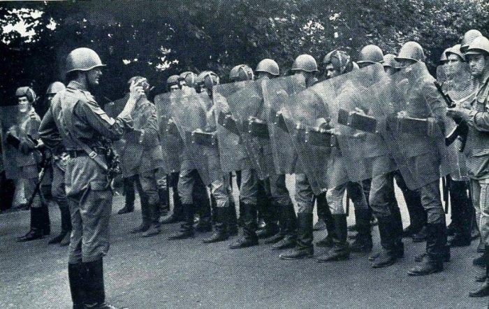 Началось все во внутренних войсках. |Фото: twitter.com.