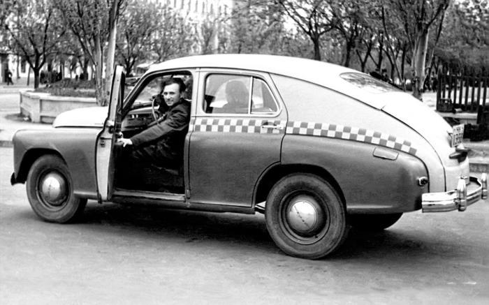 Дезертиры захватили такси. |Фото: opatnosssr.ru.