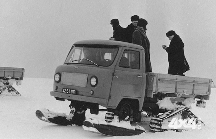 Снегоход УАЗ-451С.