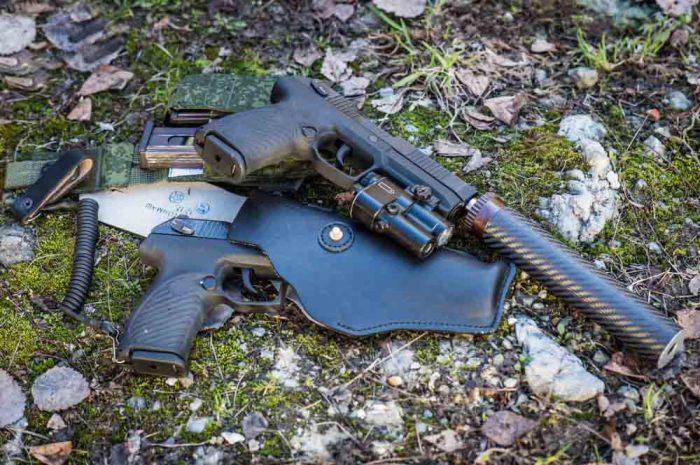 Глушитель в комплекте. |Фото: naukatehnika.com.