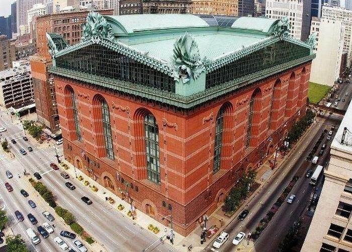Здание «Harold Washington Library».