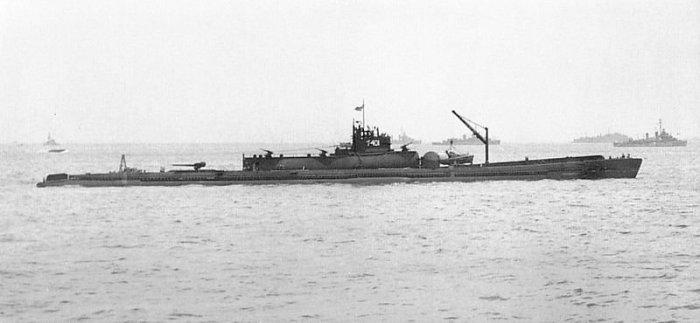 Подводные авианосцы.