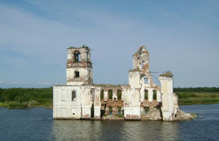 Затопленная Церковь Рождества Христова.Рыбинское водохранилище.