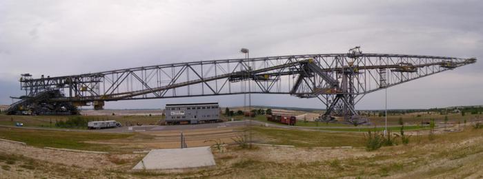 Супермашина: Транспортно-отвальный мост Overburden Conveyor Bridge F60.