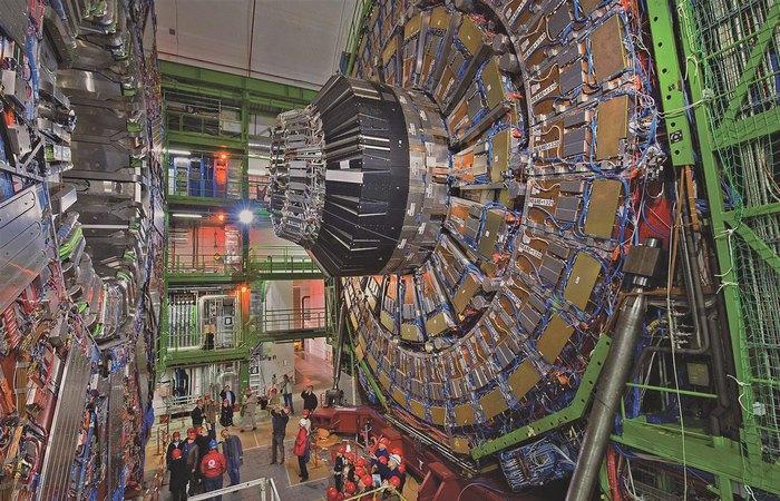 Супермашина: Большой адронный коллайдер.