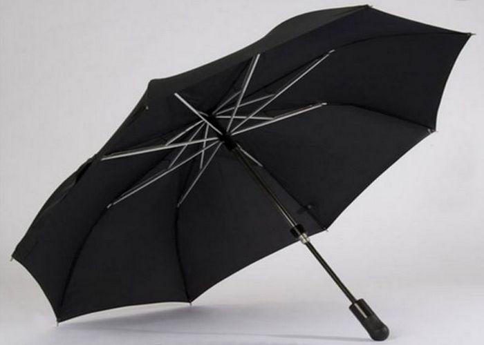 Крепкая вещь: пуленепробиваемый зонтик.