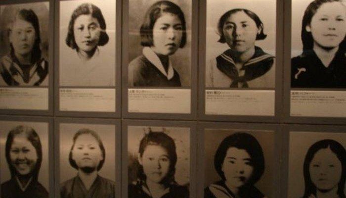 Интересный факт: более 200 школьниц были медсестрами при битве за Окинаву.