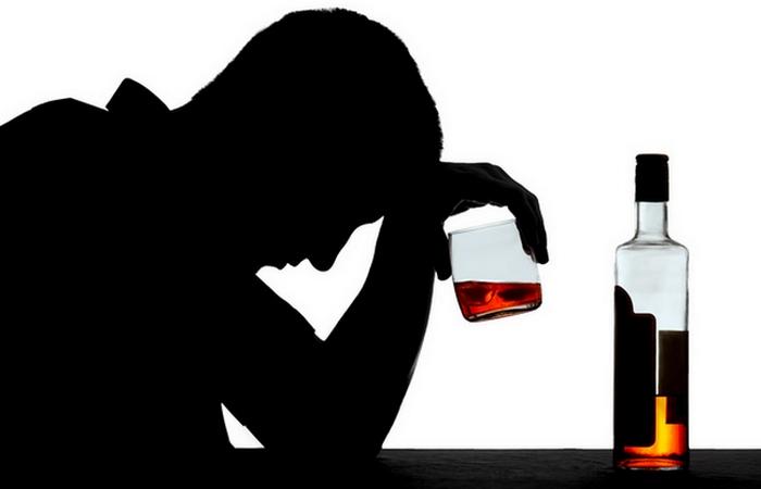 Пилюля, которая лечит «мягкий алкоголизм».