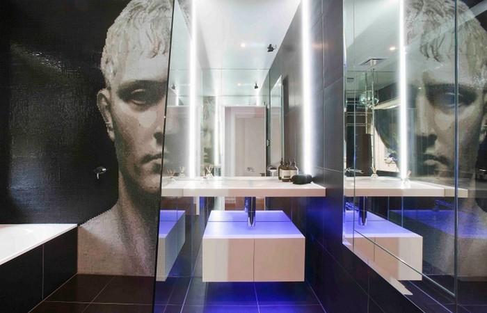 Необычная мозаика в ванной комнате...