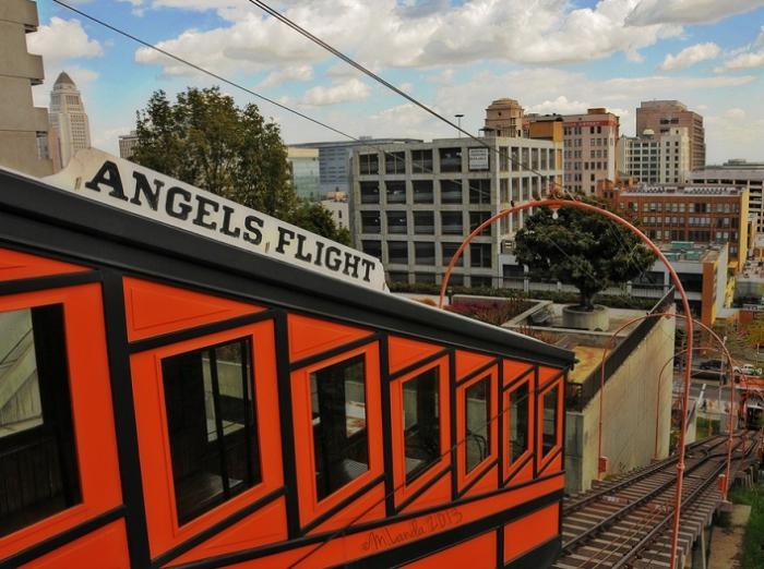Angels Flight - самая короткая железная дорога в мире.