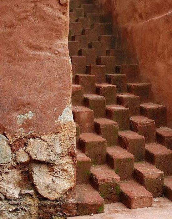 Необычная лестница в городе Оахака-де-Хуарес.