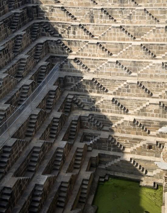Необычные лестницы индийских колодцев.