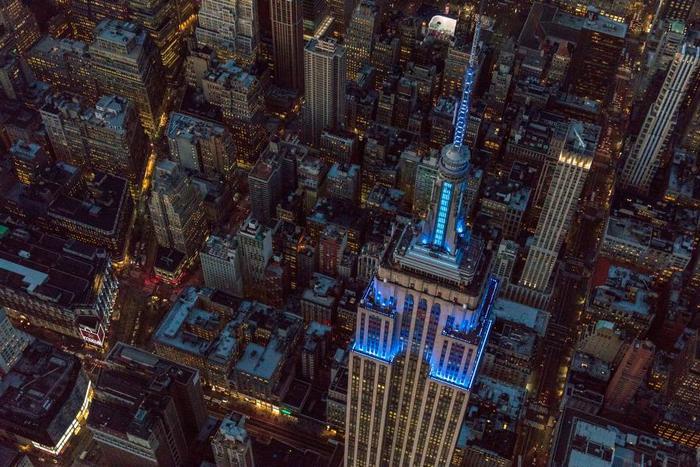 Empire State Building получил новое светодиодное освещение.
