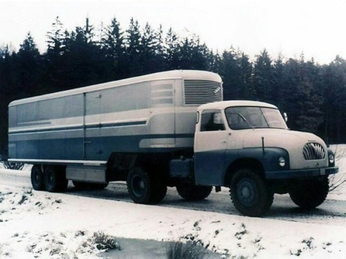 Очень популярный в свое время грузовик.
