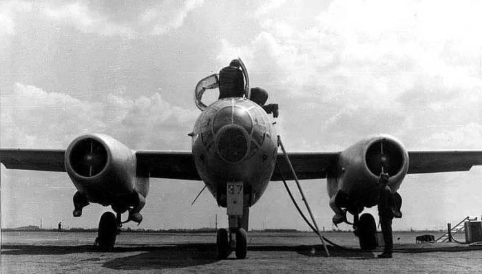Использовался Ил-28 до 1980-х годов.