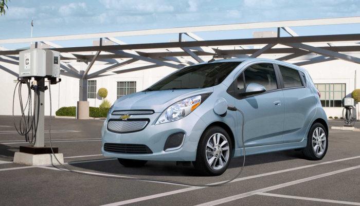 Chevrolet Spark EV - автомобиль, очень похожий на игрушку.