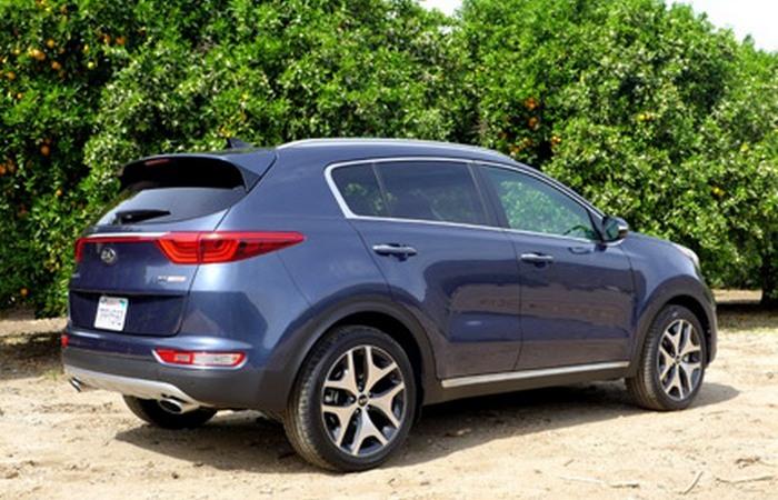 Автомобиль Kia Sportage.