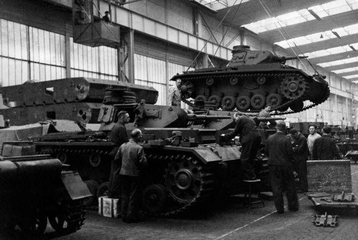 Немецкая промышленность была намного слабее. |Фото: yaplakal.com.