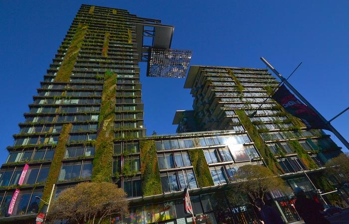 Вертикальный сад небоскреба One Central Park.