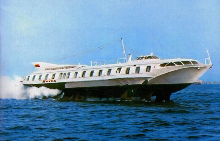 Корабль, который стал революцией гражданского флота.