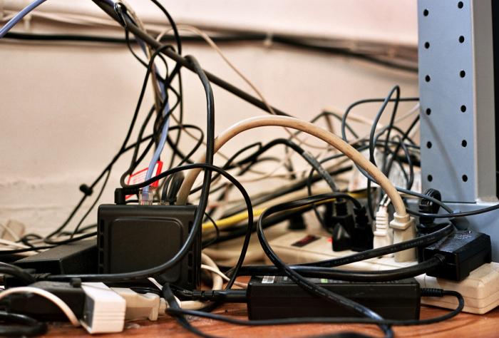 Тоже вилки и розетки. |Фото: qna.center.