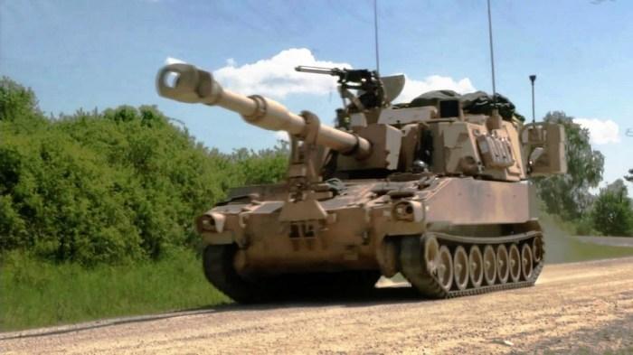 Американская самоходная артиллерийская установка M109 Howitzer.