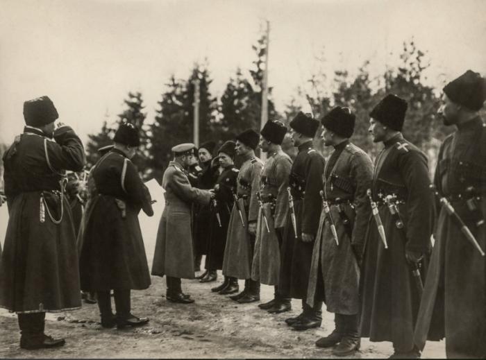 Есть версия о том, что слово переняли у казаков. |Фото: kubangenealogy.ucoz.ru.