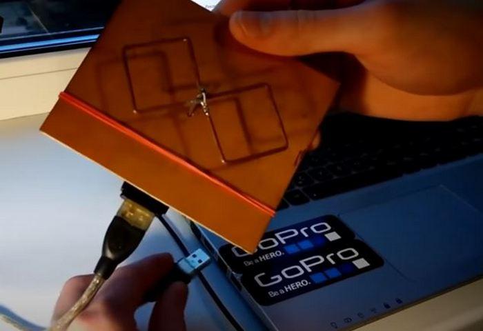 Собираем антенну. |Фото: youtube.com.