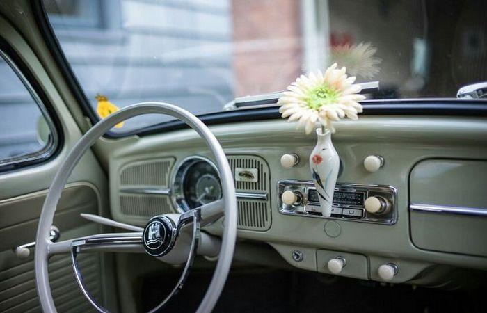 VW Blumenvasen.