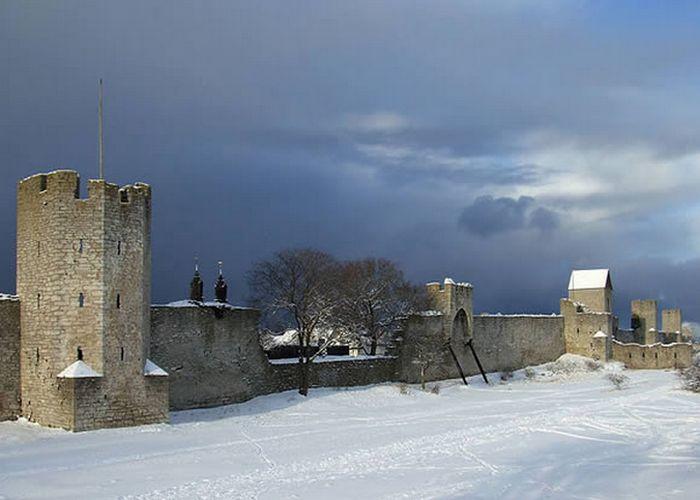 Средневековая шведская стена.