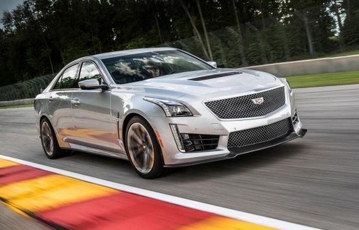 Автомобиль Cadillac CTS-V.