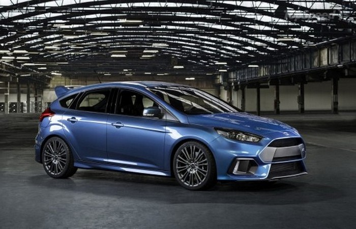 Автомобиль Ford Focus RS.