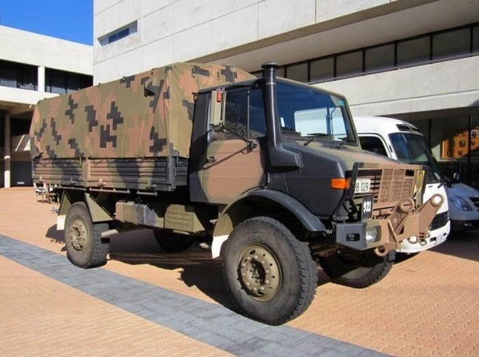 Многоцелевой военный грузовик Unimog.