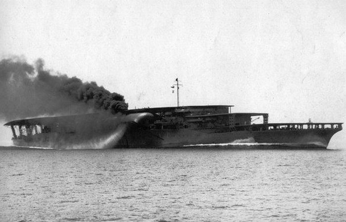 Авианосец «Akagi».