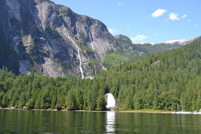 Водопад Джеймс Брюс.