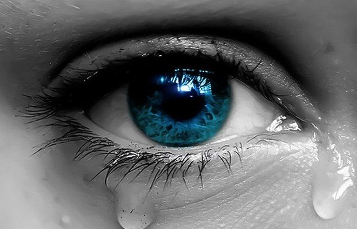 Слезы - это восстановление эмоционального баланса.