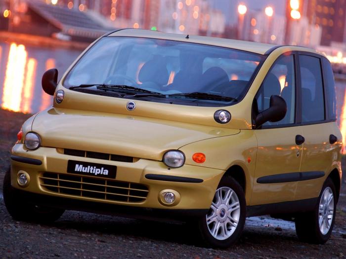 Машина страшная, но она хотя бы не кусается. |Фото: favcars.com.