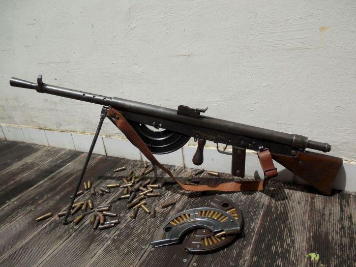 Очень странный пулемет. | Фото: oldguns.ru.