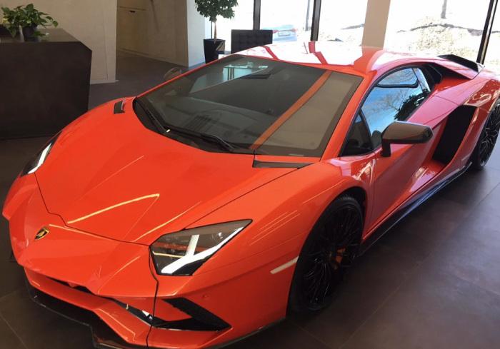 Lamborghini Aventador - постоянный гость вторичного рынка.