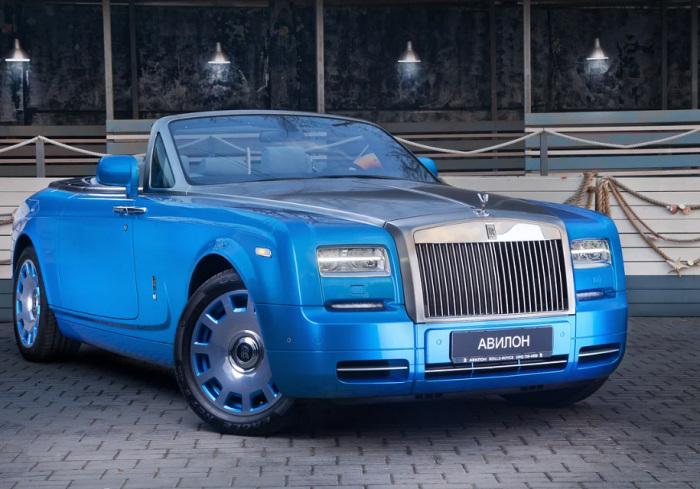 Позволить себе такой  Rolls-Royce Drophead Coupe может не каждый олигарх.