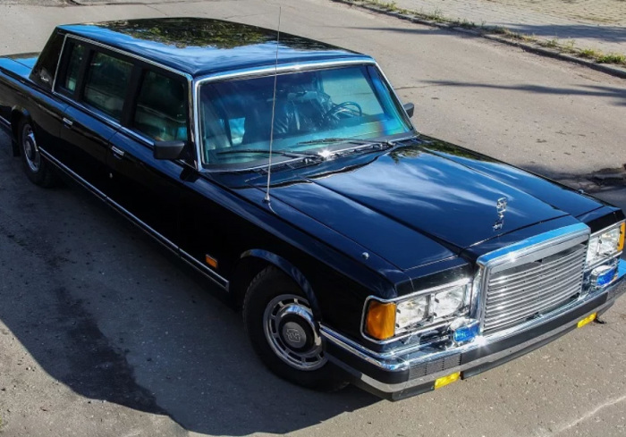 Автомобиль ЗИЛ-41047 возил первых президентов.