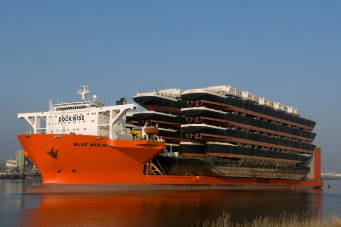 Ну очень большой корабль.
