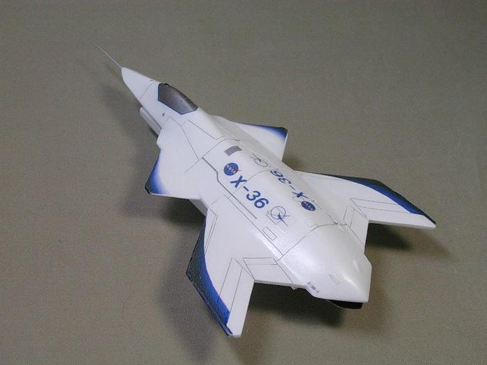 Модель беспилотника X-36.