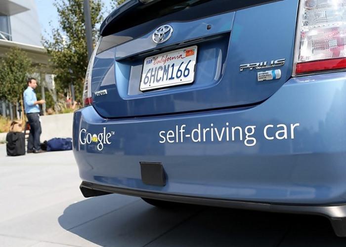 Вчерашняя фантастика: беспилотные автомобили.