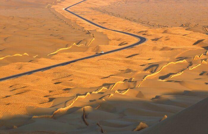 Дорога жизни в пустыне смерти. ¦Фото: humanosphere.org.